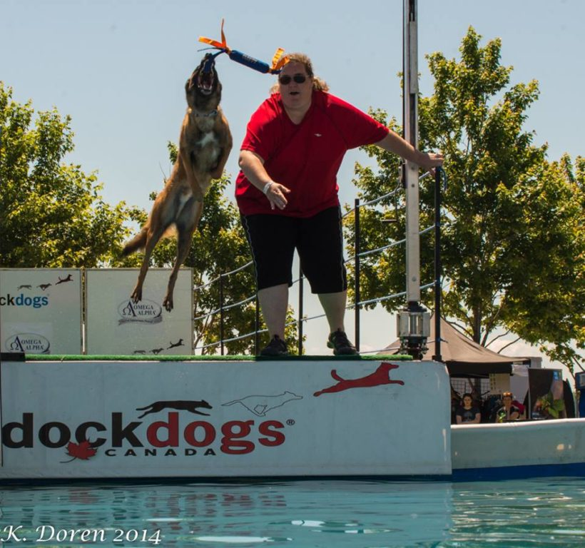 Sheena van den Bergh DockDogs